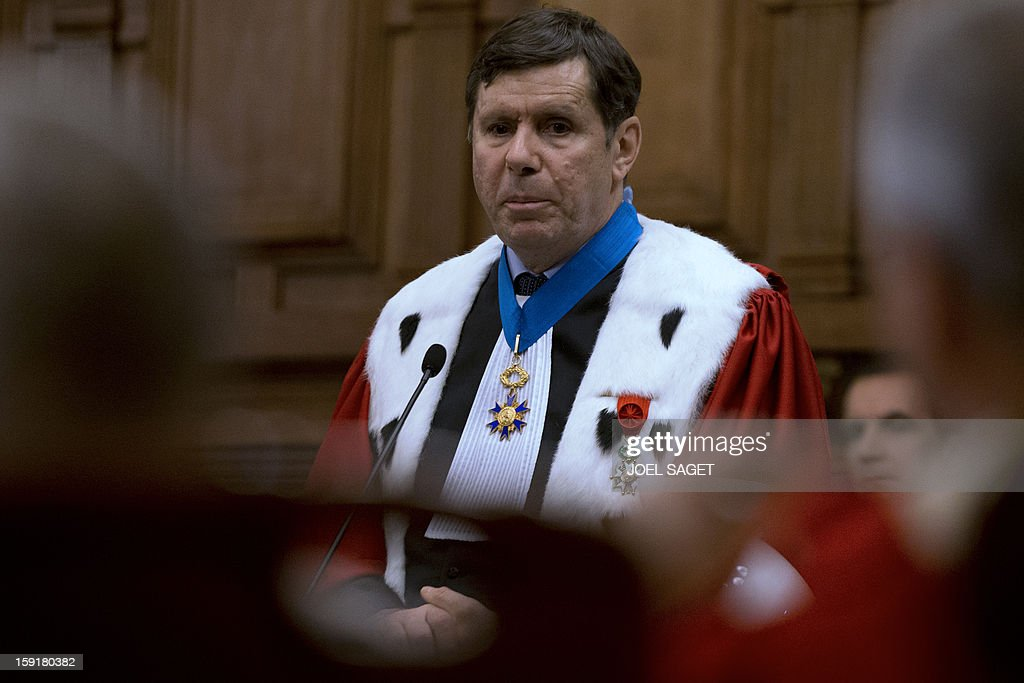 Paris' appeal court prosecutor Francois Falletti (foreground) delivers a speech during a formal sitting of Paris' appeal court, on January 9, 2013, at Paris courthouse, to mark the beginning of the Court's judicial year. AFP PHOTO JOEL SAGET