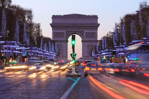 Paris auto stock photos and pictures getty images - H m avenue des champs elysees ...