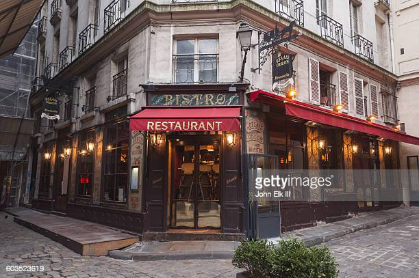 Paris, cafe facade