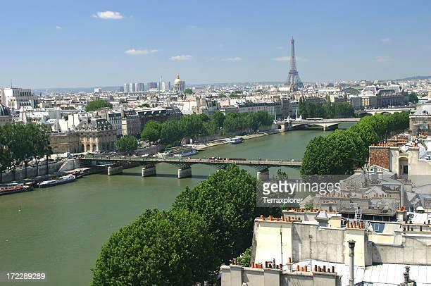 Paysage urbain de Paris et la Seine