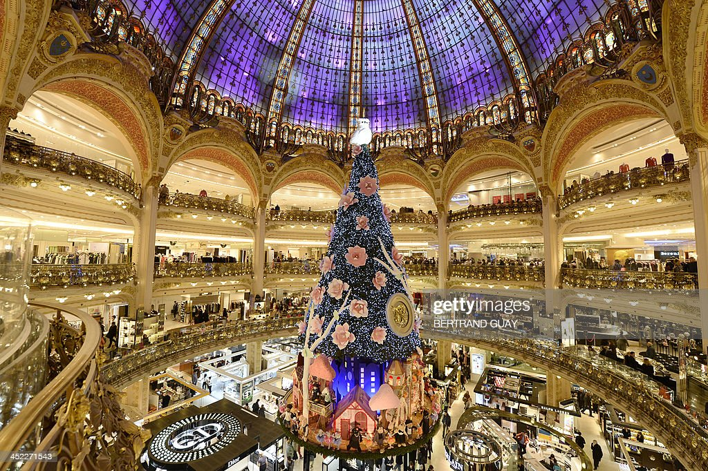 Paris' department store Galeries Lafayette's Christmas tree is pictured on November 27, 2013 in Paris.