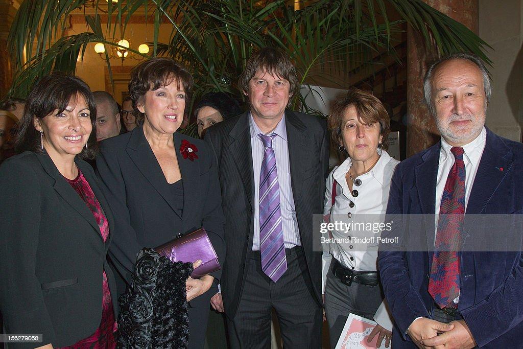 Paris Deputy Mayor Anne Hidalgo former Health minister Roselyne BachelotNarquin CGT union leader Bernard Thibault and his wife Muriel and President...