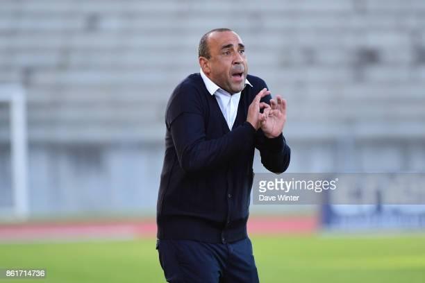 Paris FC coach Pascal Gouzenes during the women's Division 1 match between Paris FC and Paris Saint Germain on October 15 2017 in Paris France