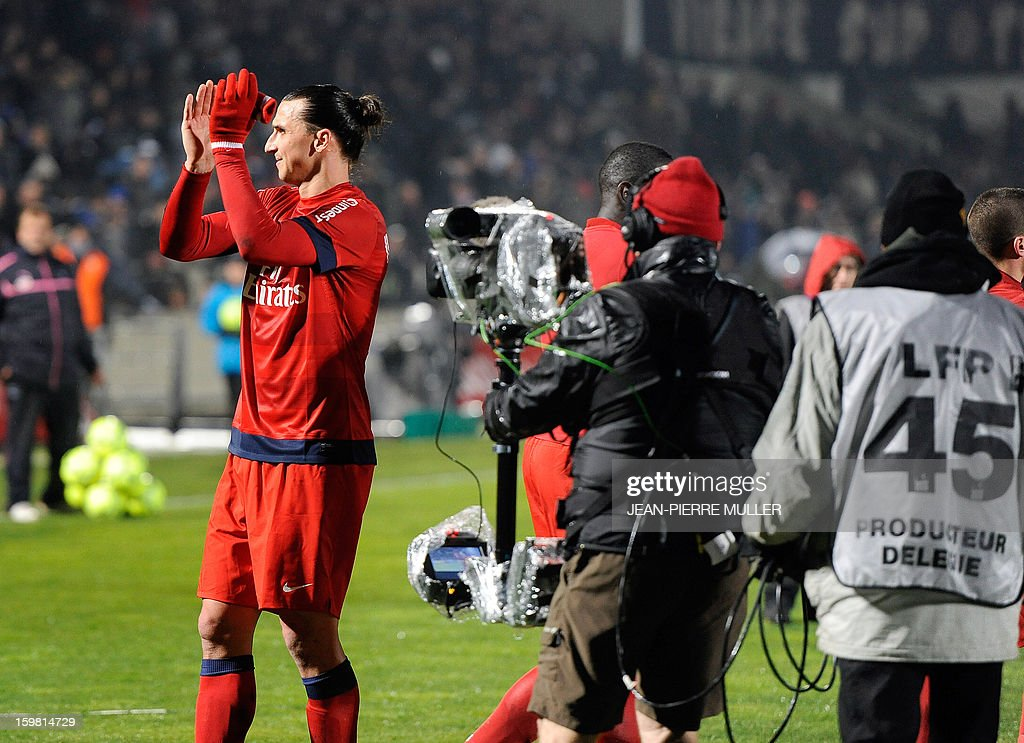 Paris' forward Zlatan Ibrahimovic applauds supporters after winning the French L1 football match Bordeaux vs Paris Saint-Germain on January 20, 2013 at Chaban Delmas Stadium in Bordeaux, southwestern France. AFP PHOTO / JEAN PIERRE MULLER.