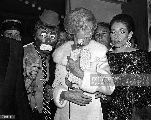 Paris France 26th April 1971 France's first lady Madame Pompidou is pictured at a charity gala with American comedian Jerry Lewis and opera singer...