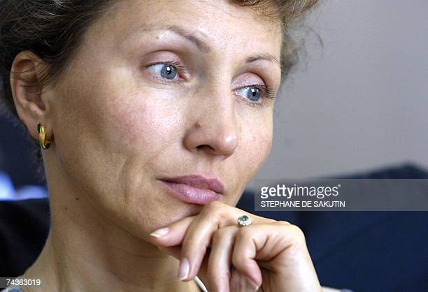 Marina Litvinenko the wife of Russian late exspy Alexander Litvinenko is pictured as she presents 31 May 2007 in Paris the book titled 'Meutre d'un...