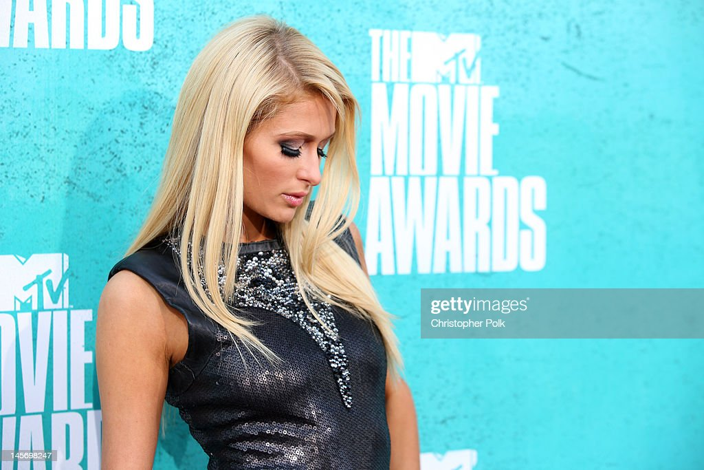<a gi-track='captionPersonalityLinkClicked' href=/galleries/search?phrase=Paris+Hilton&family=editorial&specificpeople=171761 ng-click='$event.stopPropagation()'>Paris Hilton</a> arrives at the 2012 MTV Movie Awards held at Gibson Amphitheatre on June 3, 2012 in Universal City, California.