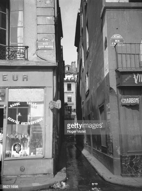 Paris IVth district The Venise street towards the Quincampoix street at the corner of the SaintMartin street 1938