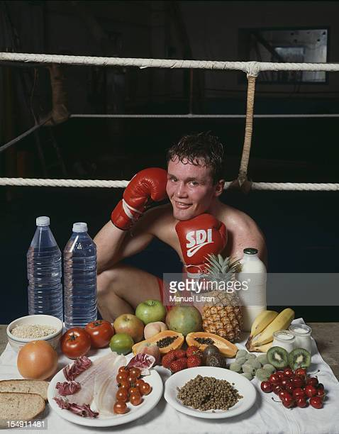 Paris June 1991 The French boxer Peter 'bug' LORCY 177 m9 kg world number one in its class and world number eight explains his diet Fruit fish...