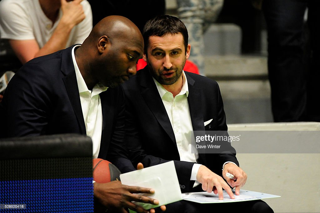 Paris Levallois coach Frederic Fauthoux and Paris Levallois assistant coach Sacha Giffa during the basketball French Pro A League match between Nanterre and Paris Levallois on May 5, 2016 in Nanterre, France.