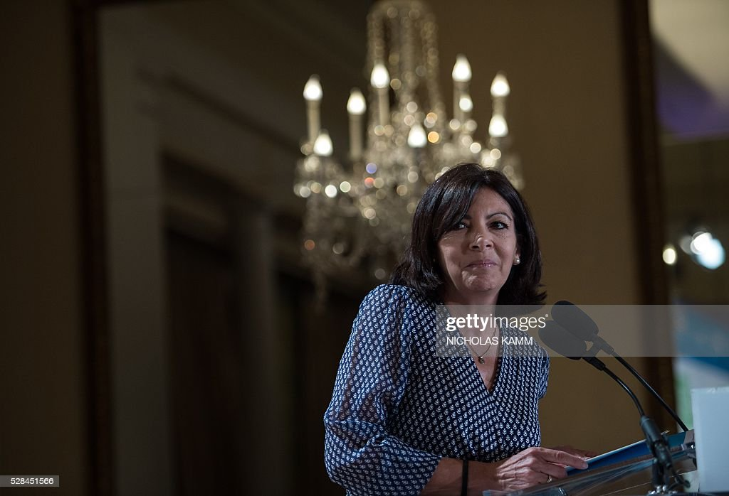 Paris mayor Anne Hidalgo speaks at the C40 and Compact of Mayors briefing during the Climate Action 2016 conference in Washington, DC, on May 5, 2016. / AFP / NICHOLAS