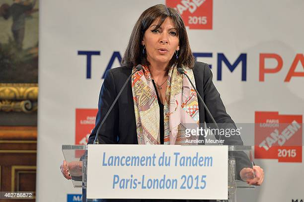 Paris Mayor Anne Hidalgo speaks during a meeting with the Mayor of London Boris Johnson at Hotel de Ville on February 5 2015 in Paris France The...