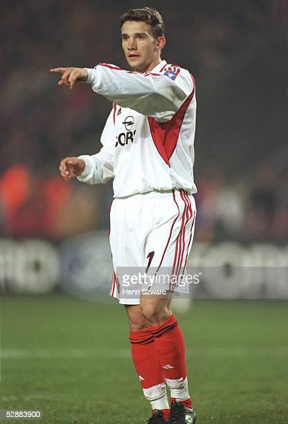 LEAGUE 00/01 Paris PARIS SAINT GERMAIN AC MAILAND 11 Andrej SCHEWTSCHENKO/MAILAND
