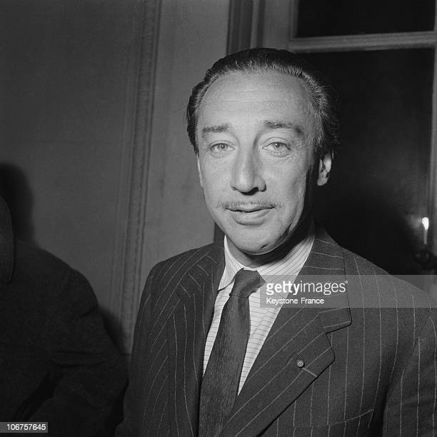 Paris Romain Gary Winner Of The Goncourt Prize For Les Racines Du Ciel In December In 1956