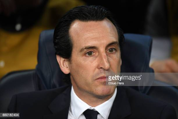 Paris SaintGermain manager Unai Emery looks on prior to the UEFA Champions League Round of 16 second leg match between FC Barcelona and Paris...