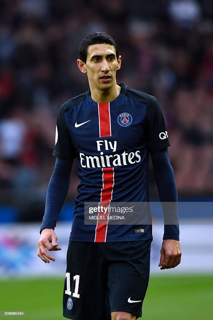 Paris Saint-Germain's Argentinian forward Angel Di Maria looks on during the French L1 football match between Paris Saint-Germain (PSG) and Lille (LOSC) at the Parc des Princes stadium in Paris, on February 13, 2016. AFP PHOTO / MIGUEL MEDINA / AFP / MIGUEL MEDINA