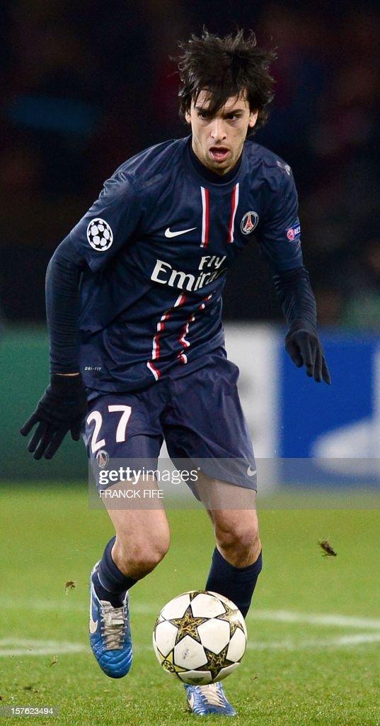 Paris Saint-Germain's Argentinian midfielder Javier Pastore runs with the ball during the UEFA Champions League Group A football match Paris Saint-Germain vs Porto on December 4, 2012 at the Parc des Princes stadium in Paris. Paris won 2-1.