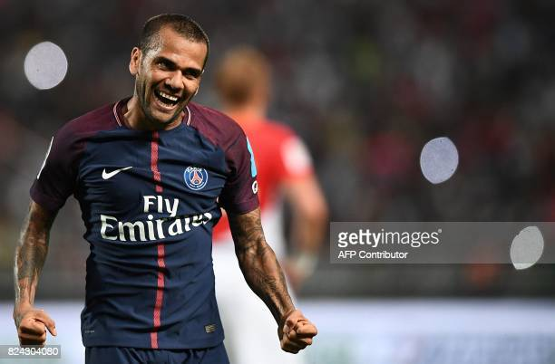 TOPSHOT Paris SaintGermain's Brazilian defender Dani Alves reacts after a goal of Paris SaintGermain's French midfielder Adrien Rabiot during the...