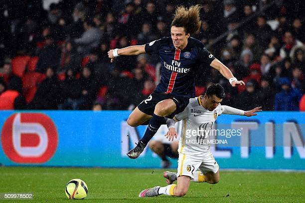 Paris SaintGermain's Brazilian defender David Luiz vies for the ball with Lille's French defender Sebastien Corchia during the French L1 football...