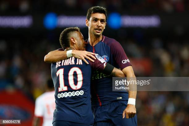Paris SaintGermain's Brazilian forward Neymar Jr and Pastore attend the French championship L1 football match between Paris SaintGermain and Toulouse...