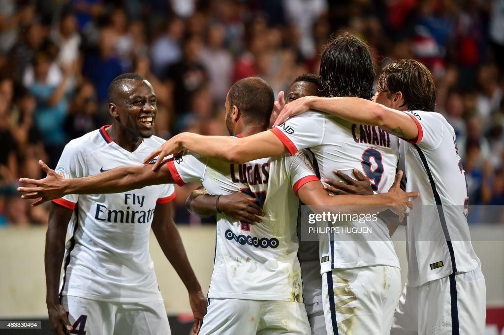 Paris Saint-Germain's Brazilian midfielder Lucas (2nd L) celebrates with his teammates after scoring during the French Ligue 1 football match between Lille and PSG on August 7, 2015 at the Pierre Mauroy Stadium in Villeneuve d'Ascq.