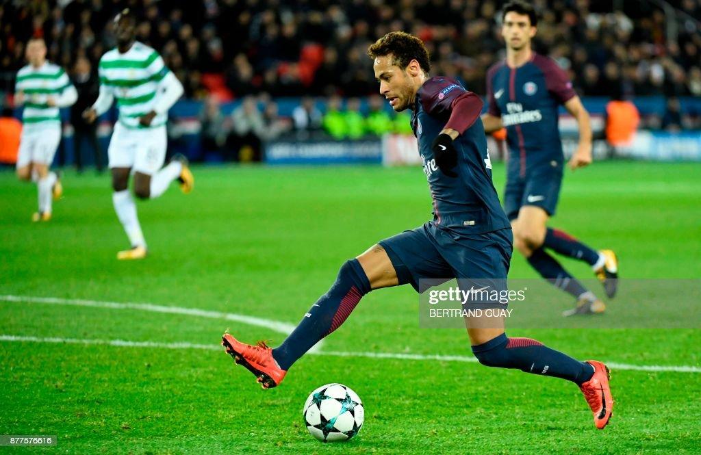 Paris Saint-Germain's Brazilian striker Neymar controls the ball during the UEFA Champions League Group B football match between Paris Saint-Germain (PSG) and Glasgow Celtic at Parc des Princes Stadium in Paris on November 22, 2017. /