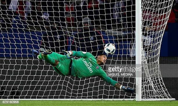 Paris SaintGermain's French goalkeeper Alphonse Areola concedes a goal during the French L1 football match between Paris SaintGermain and Nice at the...