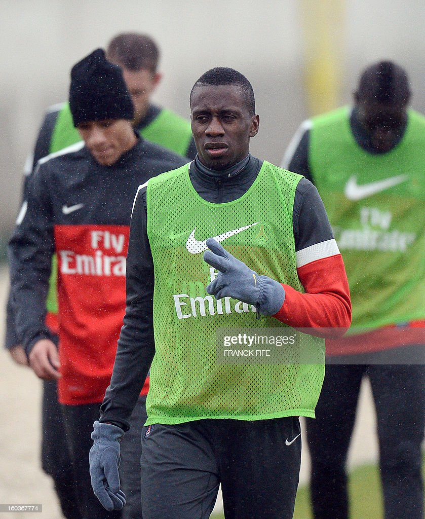 Paris Saint-Germain's French midfielder Blaise Matuidi (C) takes part in a training session on January 30, 2013 at the Camp des Loges in Saint-Germain-en-Laye, west of Paris.