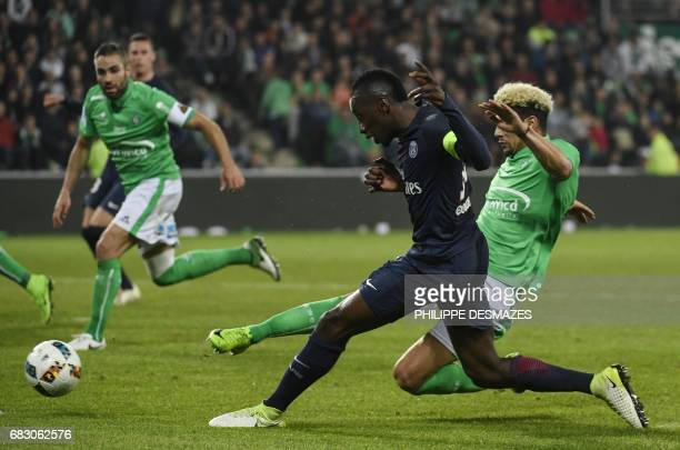 Paris SaintGermain's French midfielder Blaise Matuidi vies with SaintEtienne's French defender Kevin Malcuit during the L1 football match between AS...