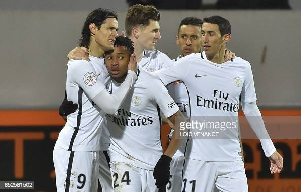 FBL-FRA-LIGUE1-LORIENT-PSG : News Photo