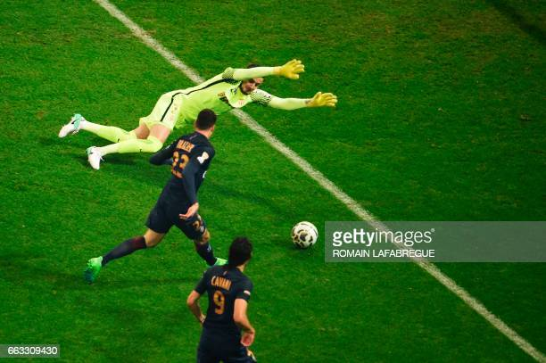 Paris SaintGermain's German forward Julian Draxler shoots and scores a goal past Monaco's Croatian goalkeeper Danijel Subasic during the French...