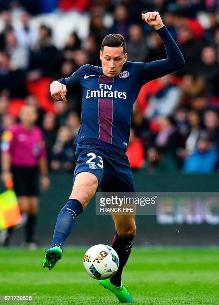 Paris SaintGermain's German midfielder Julian Draxler controls the ball during the French L1 football match between Paris SaintGermain and...
