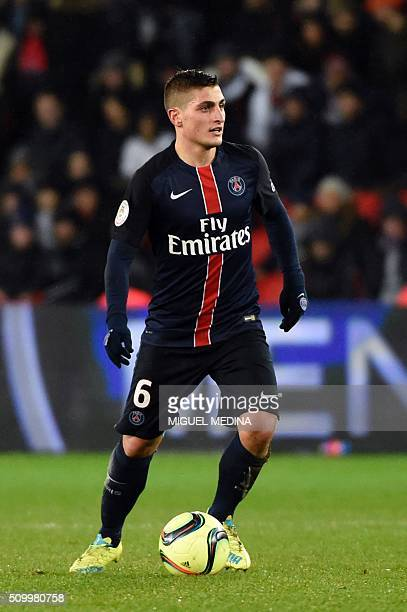 Paris SaintGermain's Italian midfielder Marco Verratti controls controls the ball during the French L1 football match between Paris SaintGermain and...