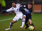 Paris SaintGermain's Italian midfielder Marco Verratti vies with Lyon's French forward Nabil Fekir during the French L1 football match Olympique...