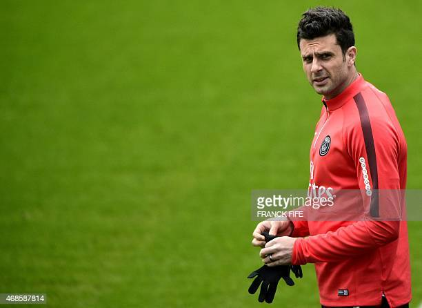 Paris SaintGermain's Italian midfielder Thiago Motta arrives for a during a training session on April 4 2015 at the CampdesLoges in...