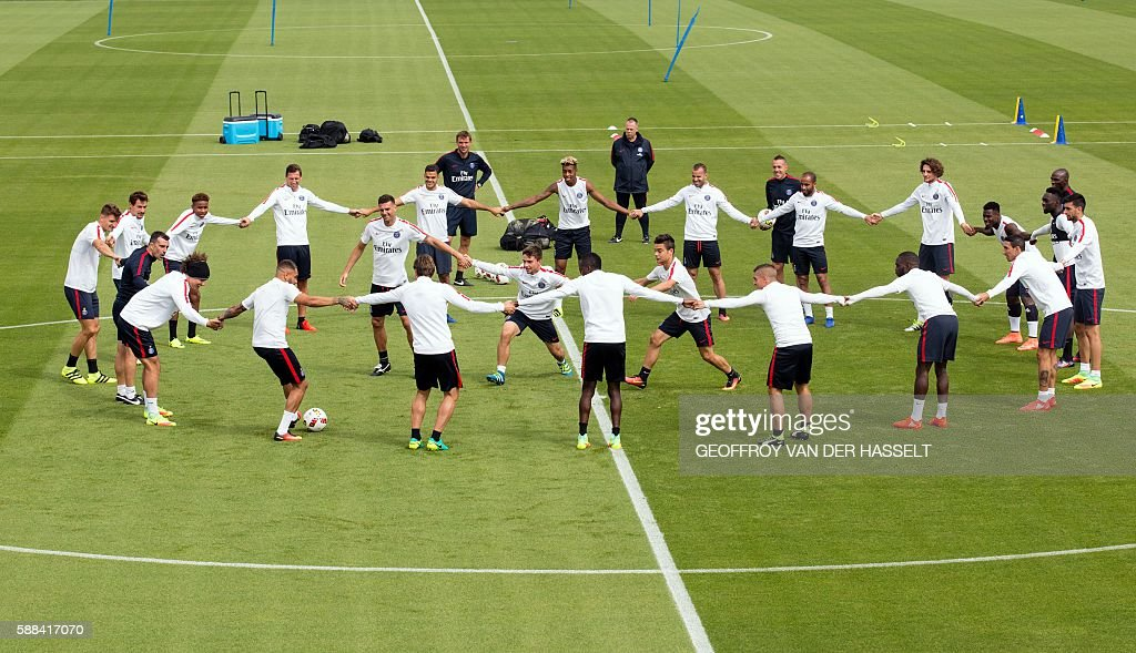 Paris SaintGermain's players attend a training session at the Camp des Loges training centre in SaintGermainenLaye west of Paris on August 11 2016 /...