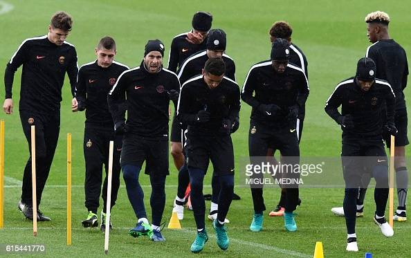 Paris SaintGermain's players attend a training session at the Ooredoo PSG training center on October 18 2016 in SaintGermainenLaye west of Paris on...