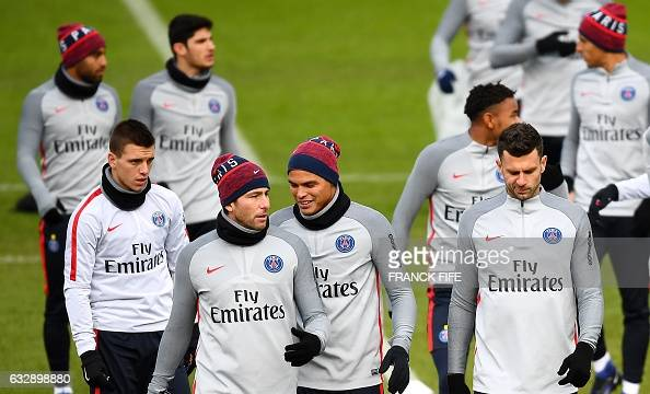 Paris SaintGermain's players attends in a training session on January 28 2017 in SaintGermainenLaye western Paris on the eve of the French L1...