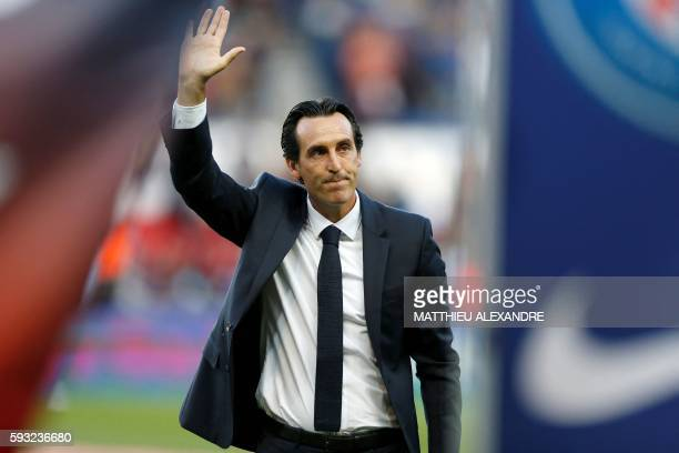 Paris SaintGermain's Spanish head coach Unai Emery gestures prior to the French Ligue 1 Football match between Paris Saint Germain and Metz on August...