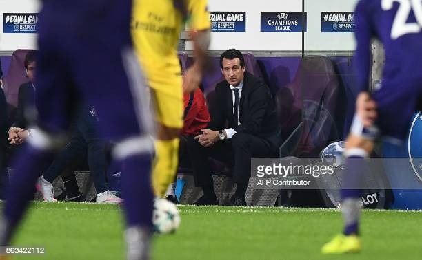 Paris SaintGermain's Spanish headcoach Unai Emery reacts during the UEFA Champions League Group B football match between RSC Anderlecht and Paris...