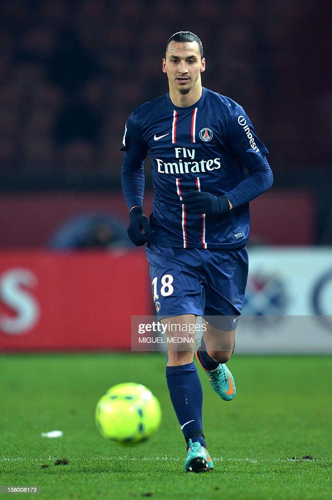 Paris Saint-Germain's Swedish forward Zlatan Ibrahimovic controls the ball during the French Ligue 1 football match Paris Saint-Germain (PSG) vs Evian Thonon Gaillard (ETGFC) on December 8, 2012 at the Parc des Princes stadium in Paris. Paris won 4-0. AFP PHOTO MIGUEL MEDINA