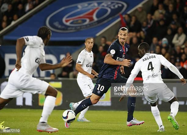 Paris SaintGermain's Swedish forward Zlatan Ibrahimovic controls the ball during the French L1 football match between Paris SaintGermain and EA...