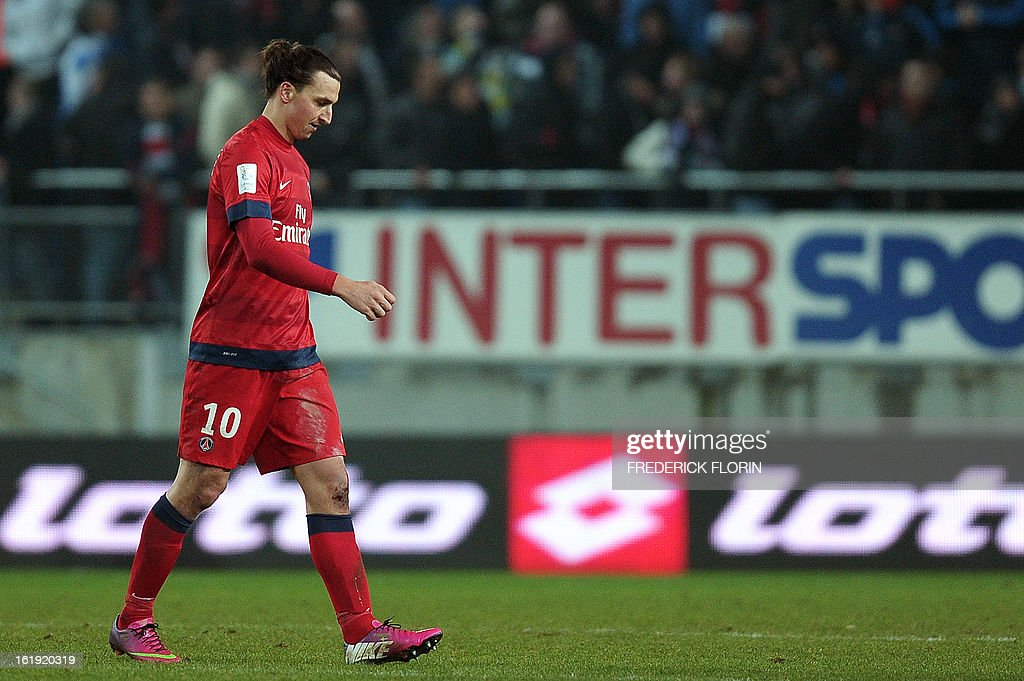 Paris Saint-Germain's Swedish forward Zlatan Ibrahimovic leaves the pitch on February 17, 2013 after a French L1 football match at the Auguste Bonal stadium in the eastern French city of Montbeliard. AFP PHOTO/FREDERICK FLORIN