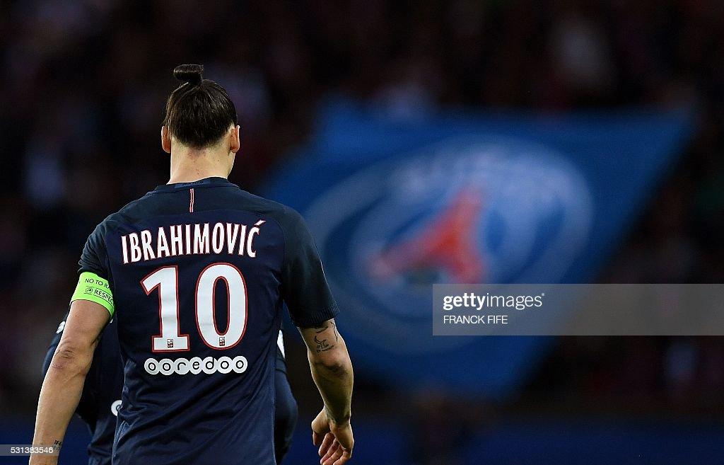 TOPSHOT Paris SaintGermain's Swedish forward Zlatan Ibrahimovic walks during the French L1 football match between Paris SaintGermain and Nantes at...