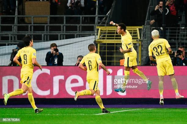 Paris SaintGermain's Uruguayan forward Edinson Cavani Paris SaintGermain's Italian midfielder Marco Verratti and Paris SaintGermain's Brazilian...