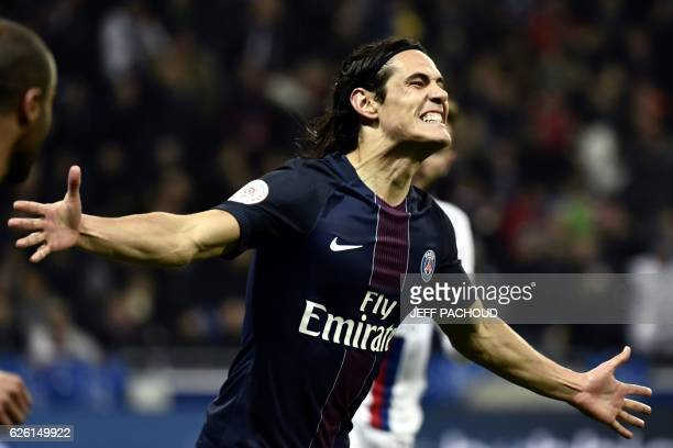 TOPSHOT Paris SaintGermain's Uruguayan forward Edinson Cavani reacts after scoring a goal during the French L1 football match between Olympique...