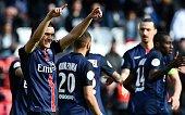 TOPSHOT Paris SaintGermain's Uruguyan forward Edinson Cavani celebrates after scoring a goal during the French L1 football match between Paris...