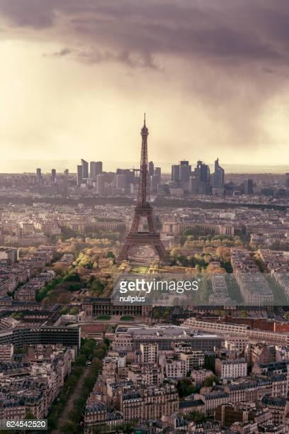 Toits de Paris avec la Tour Eiffel