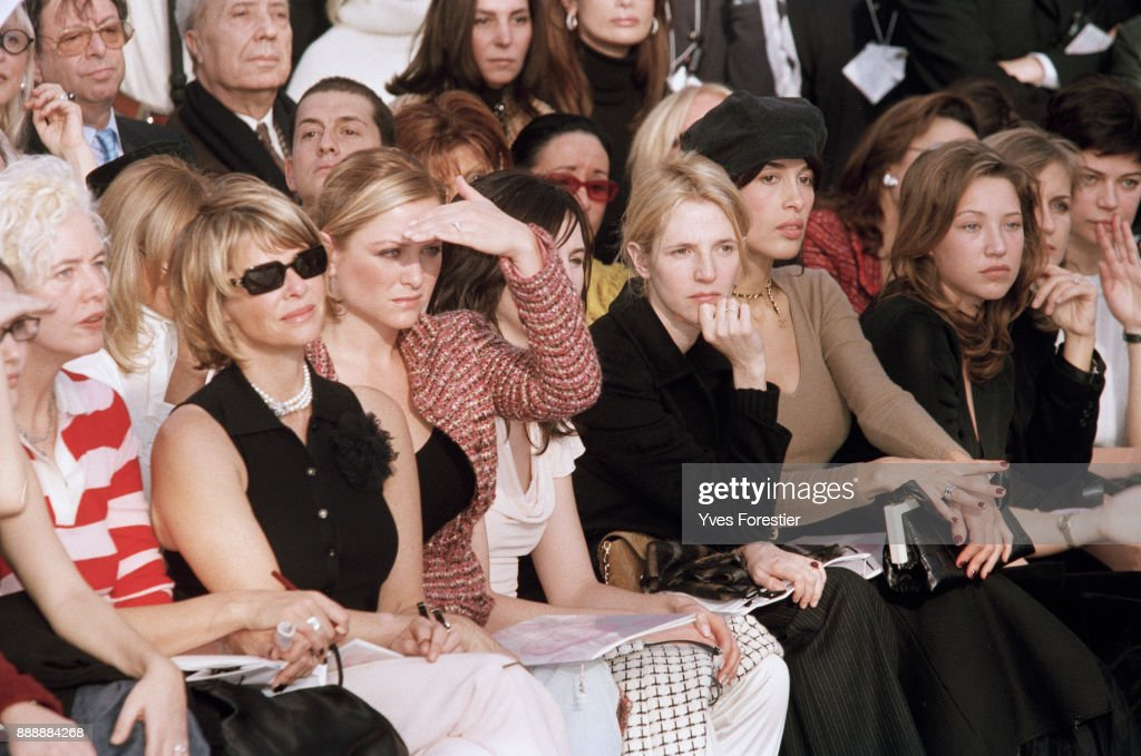 Paris, Spring-Summer 2002 Fashion show -Chanel Collection - From left to right : Kate Capshaw with her daughter, Elsa Zylberstein, Sandrine Kiberlain, Dolores Chaplin and Laura Smet