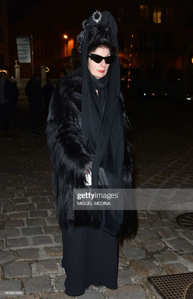 Paris-based US-born international fashion blogger and critic Diane Pernet arrives on February 28, 2013 to attend Lanvin's Fall/Winter 2013-2014 ready-to-wear collection show in Paris.